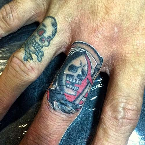 grim reaper tattoos on finger azrail dövmeleri parmak