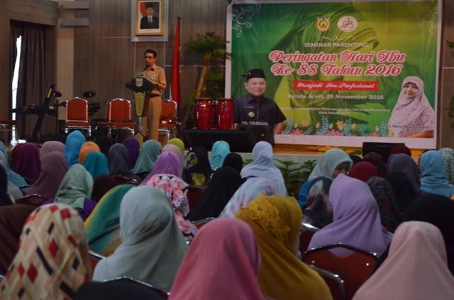 Peringati Hari Ibu, Kantor PPKB Banda Aceh Gelar Seminar Parenting