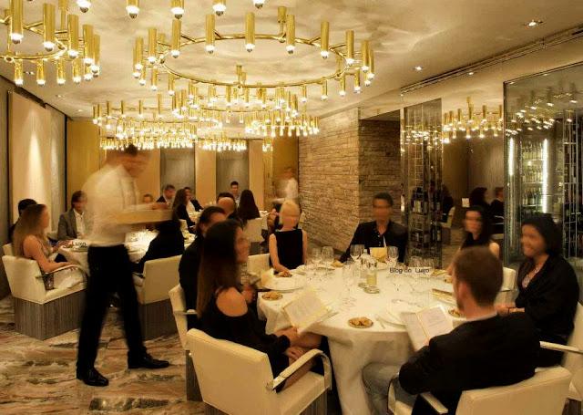 Gold Café no D&G Restaurant