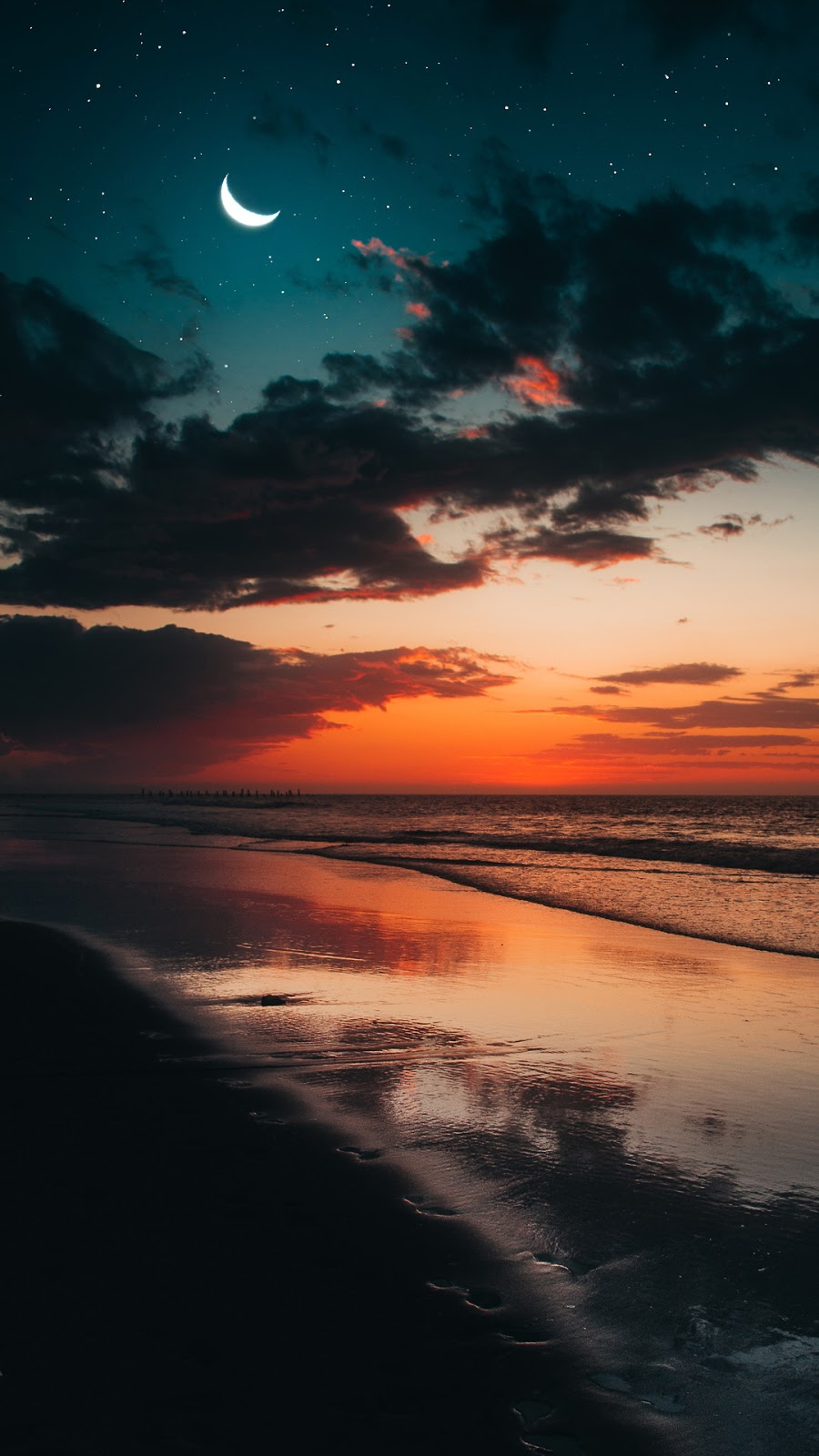 Beach in the night