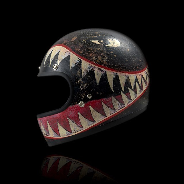 Sharktooth Matte Black Vintage Helmet