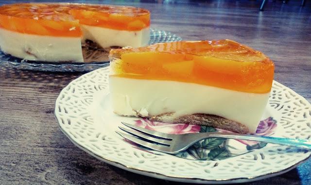 sernik na zimno z brzoskwiniami sernik z serkow homogenizowanych sernik z serkow waniliowychsernik cytrynowy sernik brzoskwiniowy sernik z galaretka ciasto na zimno z brzoskwiniami z puszki orzezwiajace ciasto ciasto na lato ciasto z owocami