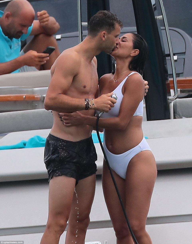 Nicole Scherzinger pack on the PDA with tennis player beau Grigor Dimitrov on St. Tropez boat trip