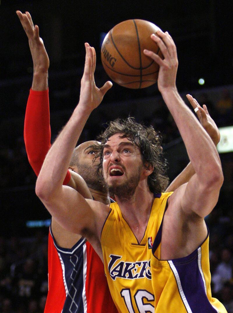 Basketball Players: Super Basketball Players: Pau Gasol