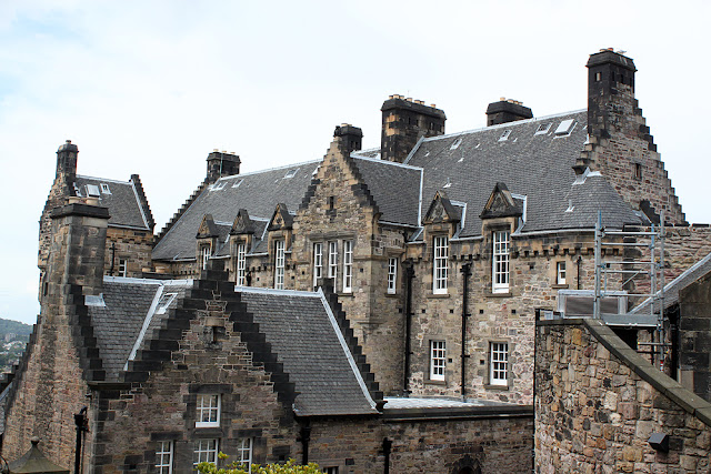Ensikosketus Edinburghiin 25
