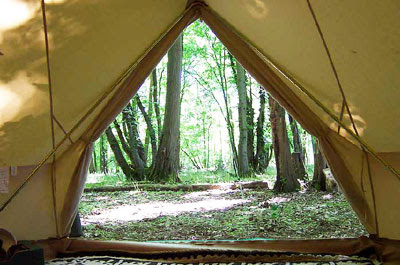 bell tent uk living in the woods. Black Bedroom Furniture Sets. Home Design Ideas
