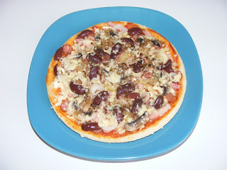retete pizza, reteta pizza, retete de mancare, mancaruri, retete culinare, pizza la tigaie, mancare, pizza cu de toate,