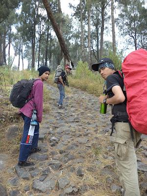 Trek jeep Gunung Arjuna