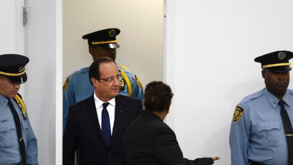 Francia: Hollande recibe a policías tras 10 días de protestas