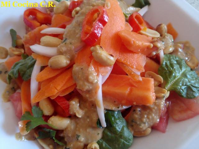 Ensalada Thailandesa De Papaya (som-tam)