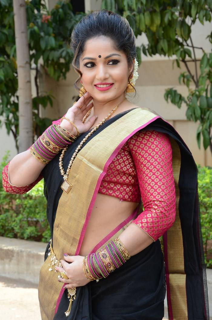 Madhavi Latha Navel Show Photos In Black Saree