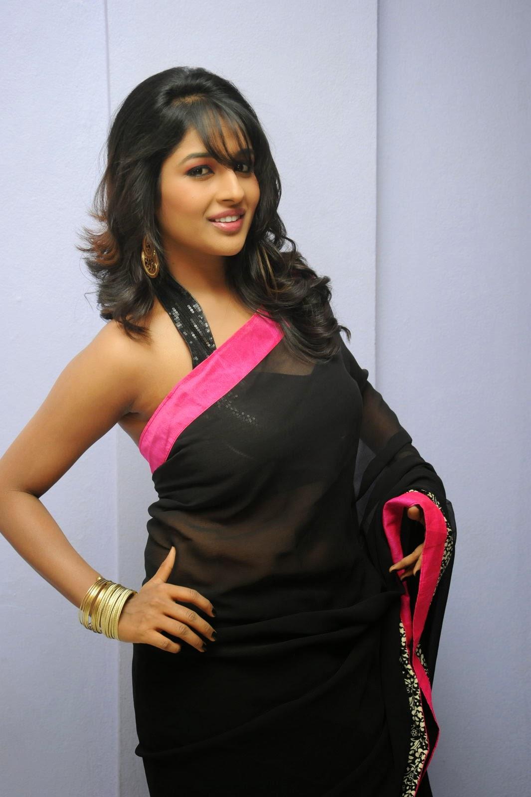 Isha Ranganath glam pics in saree-HQ-Photo-17
