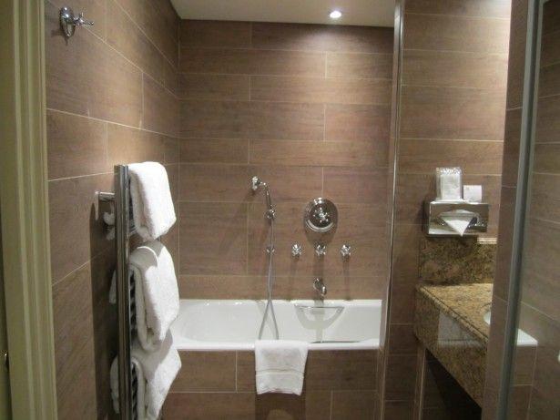 Banheiro-decorado-porcelanato-madeira-5