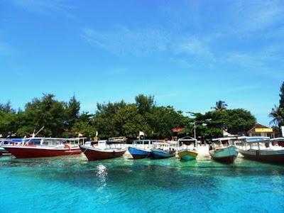 Pesona Pantai Sengigi Lombok