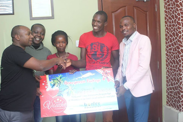 Kenyan couple gifted with a business after a 1 dollar wedding