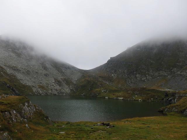 Lacul Capra i zachmurzone Fogarasze