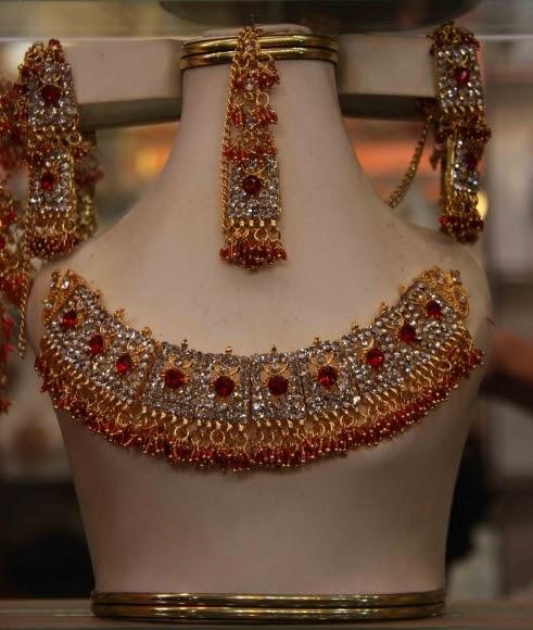 Pakistani Bridal Jewellery Set Picture - 8
