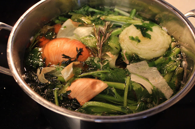 Easy Homemade Vegetable Stock | A Hoppy Medium
