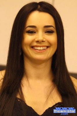 Life story Özgü Namal, Turkish actress, was born on December 28, 1970.