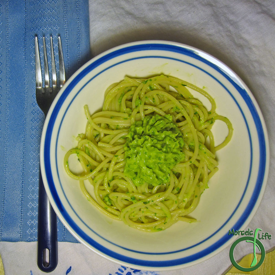 Morsels of Life - Creamy Avocado Pasta - A creamy and tangy avocado sauce tossed with al dente pasta - almost like guacamole pasta!