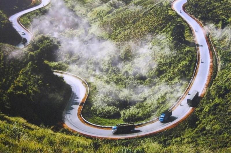 """Con đường """"Hạnh phúc"""" ở Đồng Văn - Hà Giang huyền thoại"""