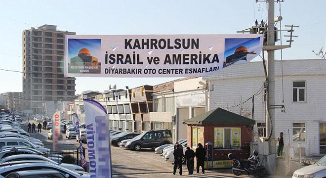 Diyarbakır oto galeri esnafından Amerika'ya pankartlı Kudüs tepkisi