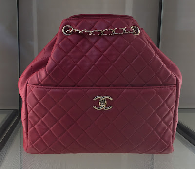 CHANEL Red Leather and Gold Chain Handbag