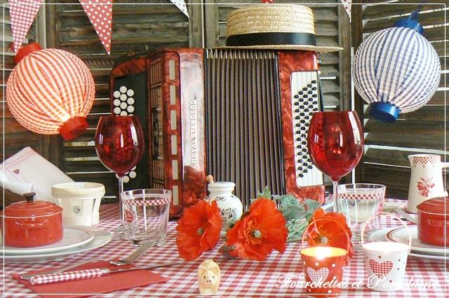 fourchettes et porcelaine table guinguette. Black Bedroom Furniture Sets. Home Design Ideas