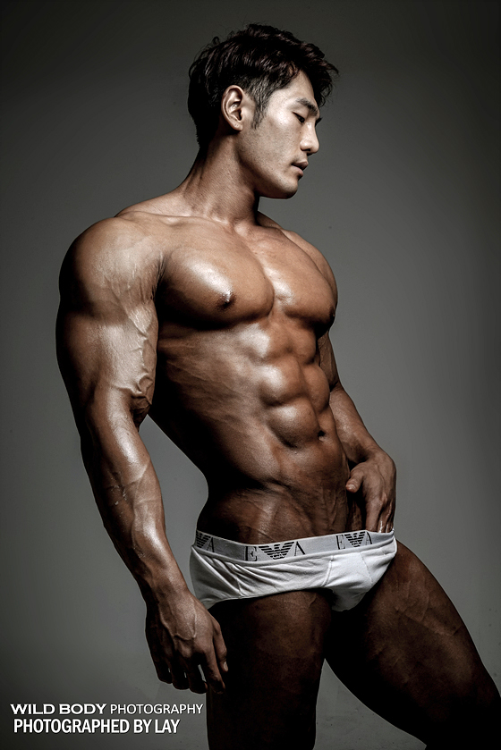 asian men naked bodybuilder