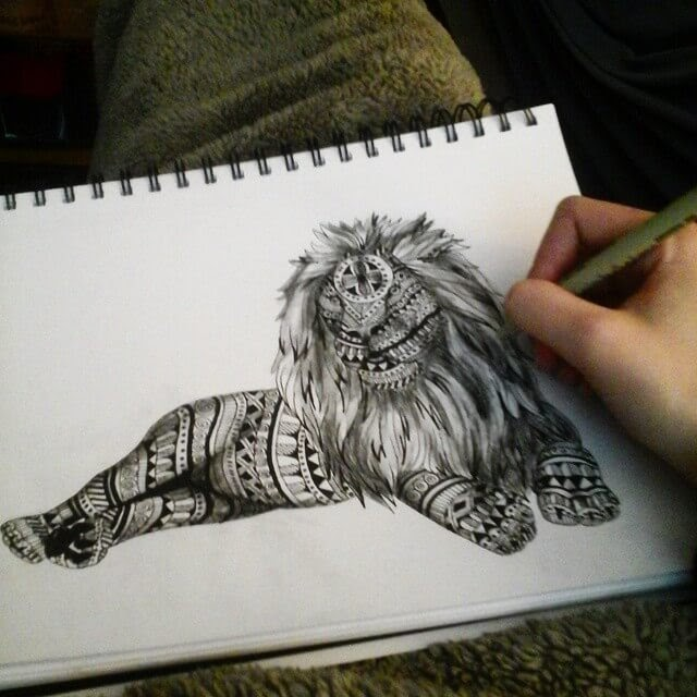 06-Lion-Savanna-Zentangle-Wild-Animal-Drawings-www-designstack-co