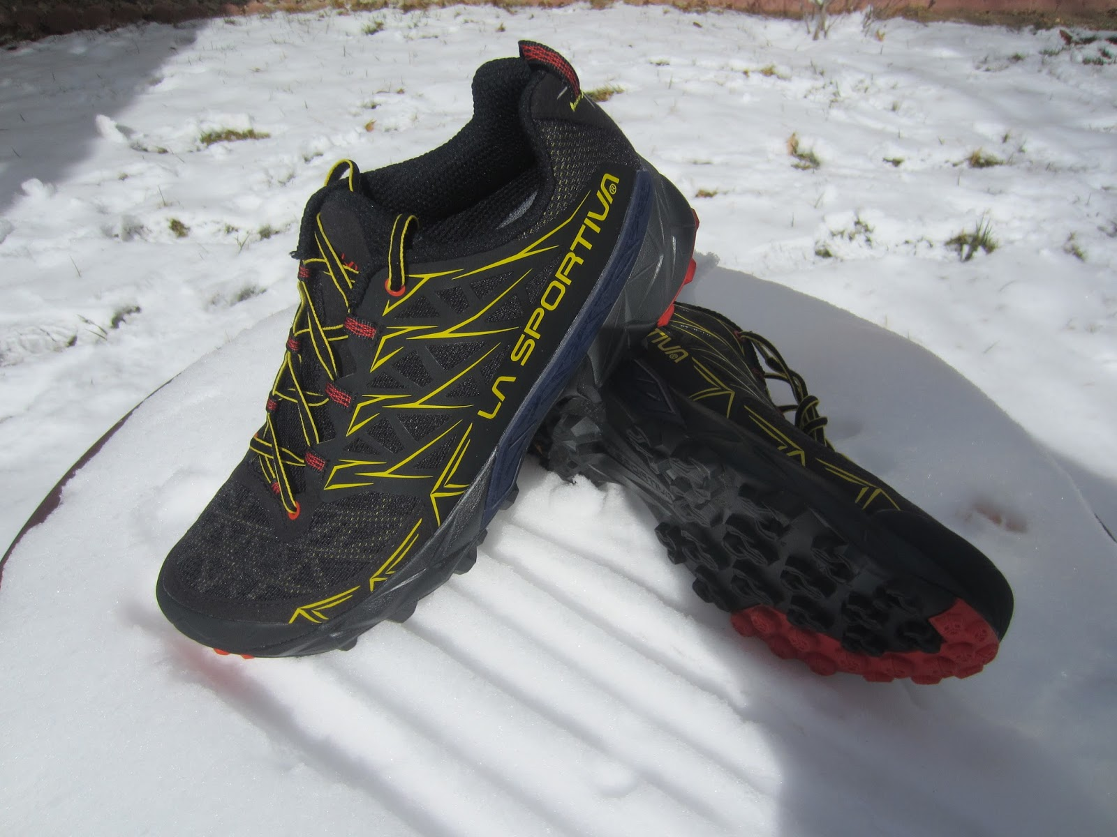 509988c4285 Road Trail Run  La Sportiva Akyra Review - A Trail Running Hiking Hybrid
