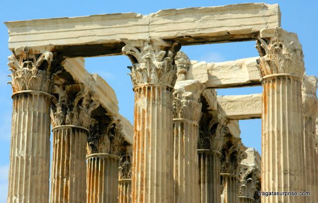 Capitéis das colunas do Templo de Zeus , em Atenas