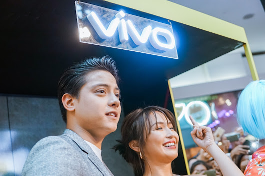 Style Reader: KathNiel thrills fans in their first Vivo V9 Mall Tour
