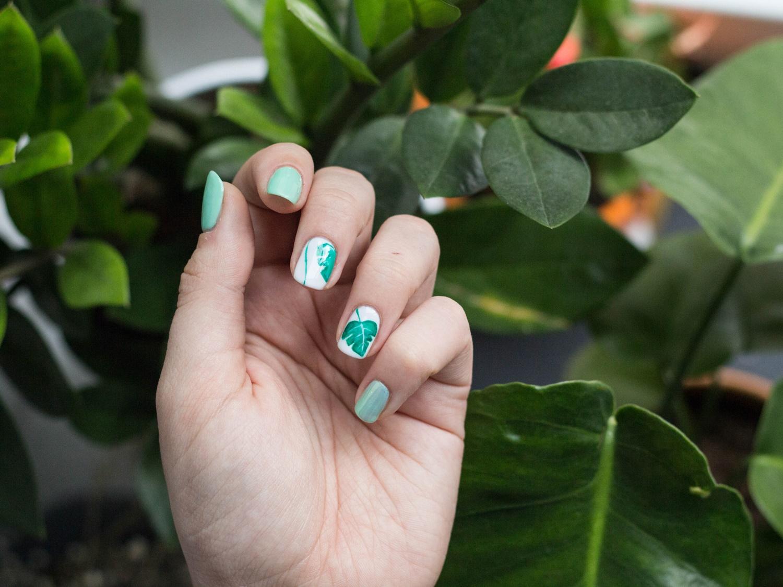 roslinne-zdobienie-na-paznokciach