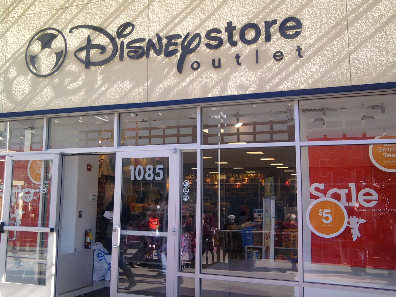 1ee4a813500f The Outlet Shoppes at Oklahoma City get a Disney Store.
