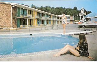 Vintage Travelodge hotel postcard from Carol