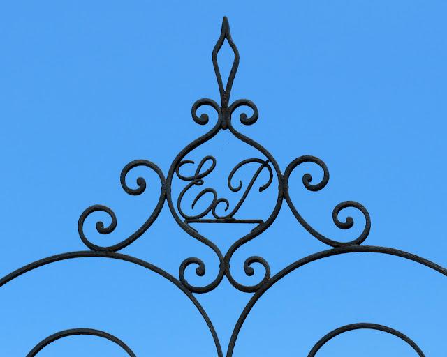 EP above a gate, in Via del Fagiano, Livorno