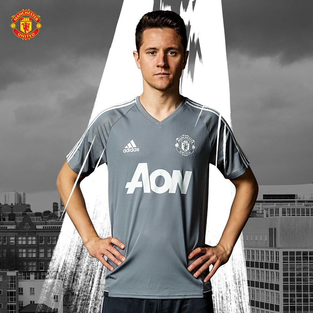 Two Manchester United 17-18 Training Kits Released - Footy ...