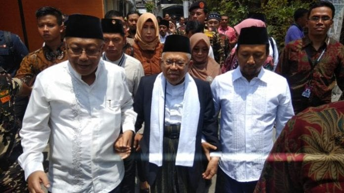 KH. Ma'ruf Amin Dilarang Kampanye Di Pesantren, Sandi Uno Terus 'Silaturahmi' Ke Pesantren