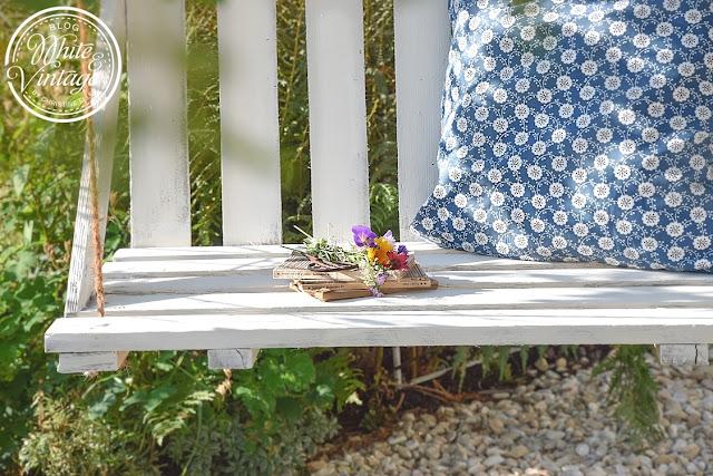 Gartenschaukel aus Leichtpaletten selber bauen.