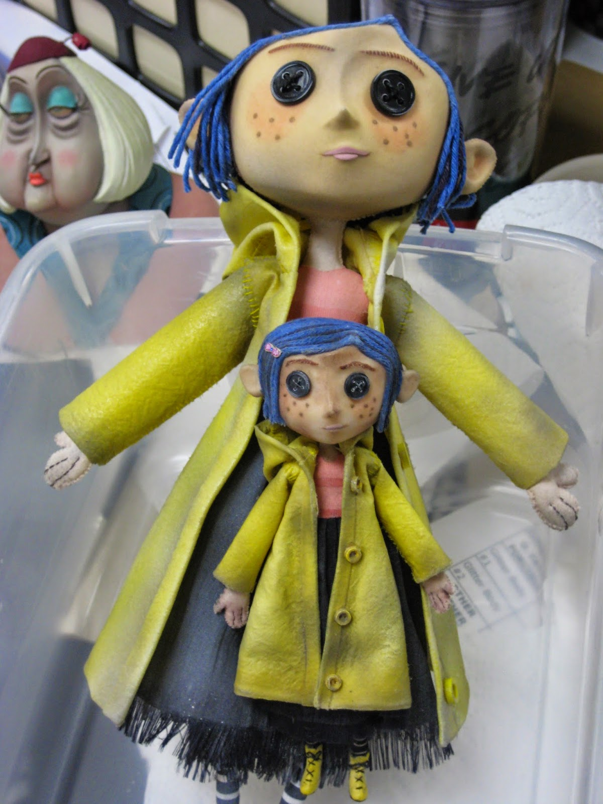 The Dolls Between Us: TheBreadsmasher: Coraline Little Me Dolls By Paloma Soledad