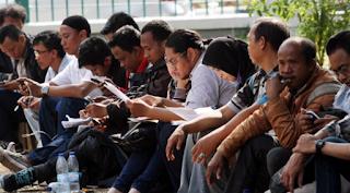 Pengangguran : Permasalahan Ekonomi Makro dan Kebijakan Ekonomi Makro