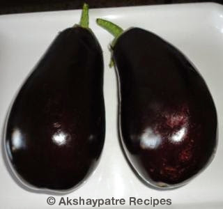 wash the brinjal and pat dry