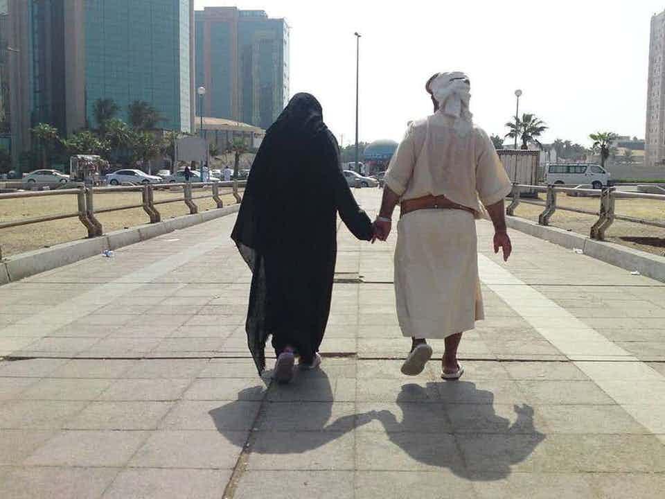 Στο Ντουμπάι μπορεί να μπεις φυλακή για φιλιά σε δημόσιο χώρο