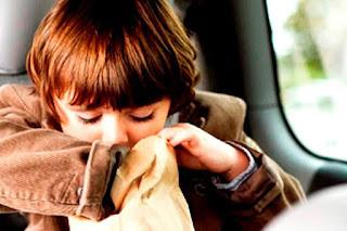Cara Mencegah Mabuk Perjalanan Saat Si Kecil Mudik