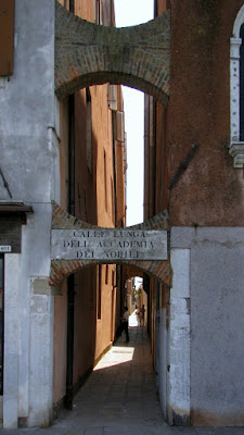 Calle Lunga dell Accademia dei Nobili, Photo by Gunther H.G. Geick