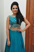 srmukhi new gorgeous looking sills-thumbnail-17