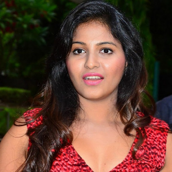 Anjali latest hot photos from Sakalakala Vallavan press meet
