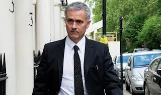 Pelatih Manchester United Jose Mourinho Dihukum Satu Laga oleh FA