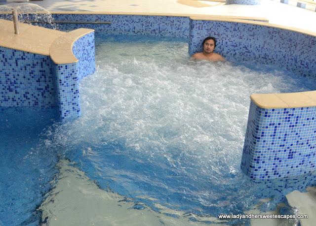 Ed in Al Raha Beach Hotel aquamedic pool
